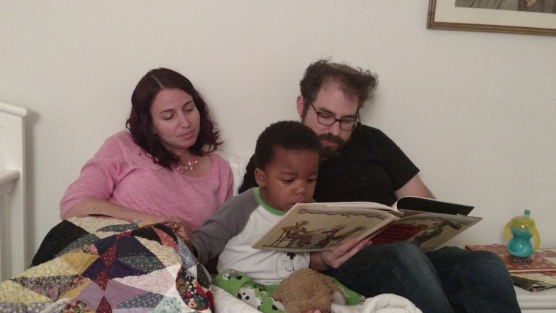 Matan Shares a Book With D'ror & Aunt Yona