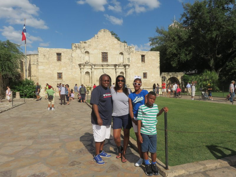 Remember the Alamo - Vacation History Lesson With Our Niece & Nephew