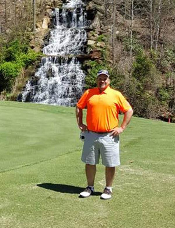 Bob Golfing
