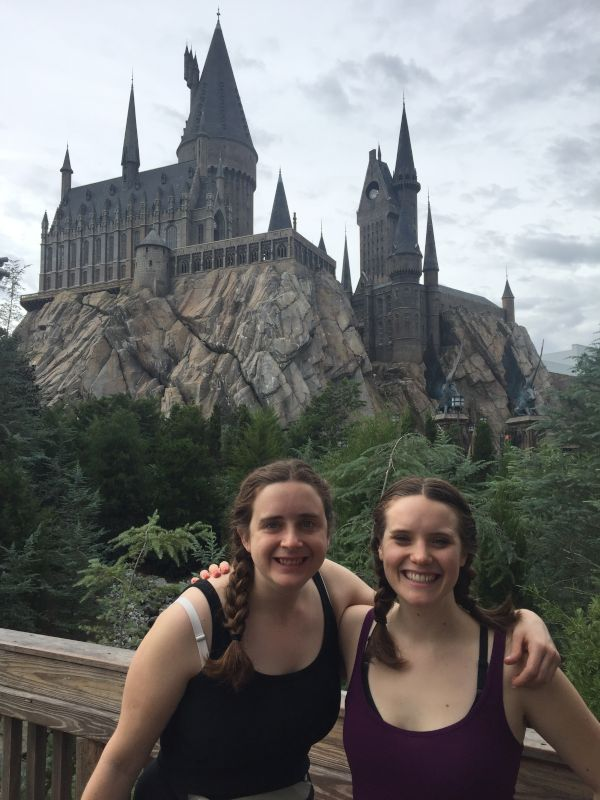 Mallori & Her Sister at Harry Potter World