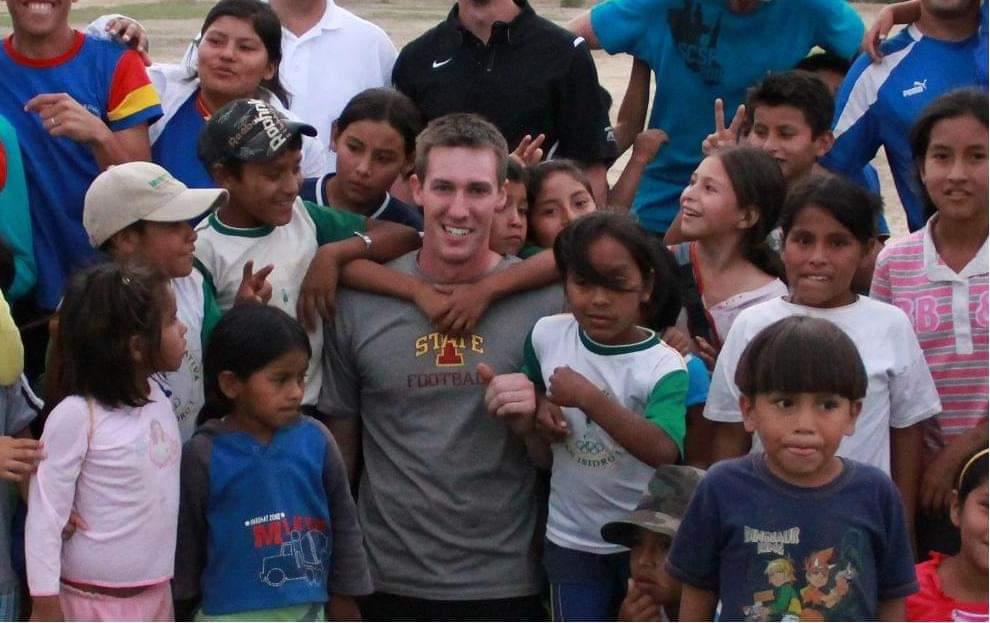 Dustin Volunteering With Children in Bolivia