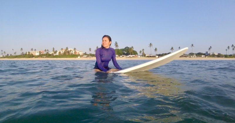 Nathalie Surfing