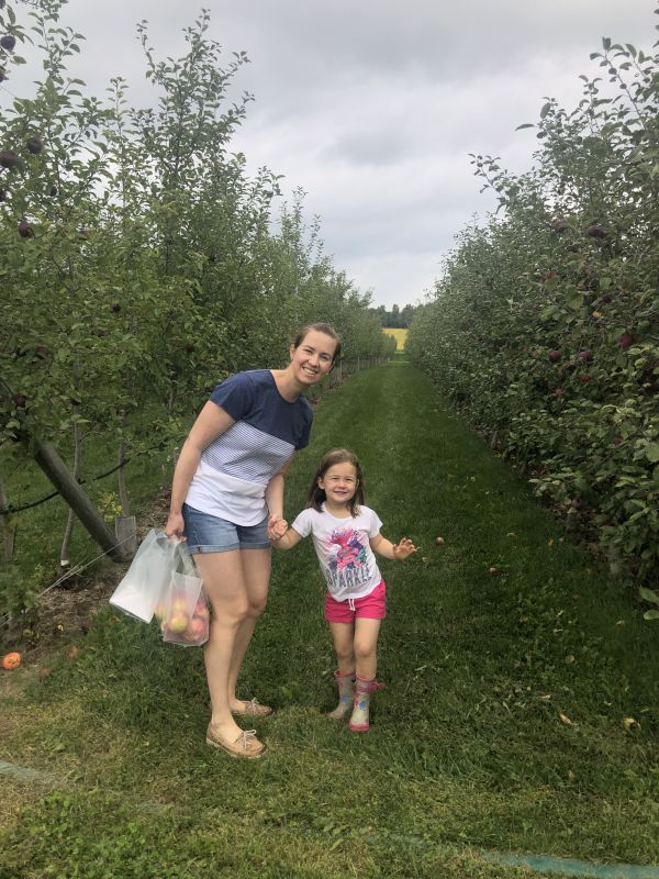 Apple Picking - We Made So Much Applesauce!
