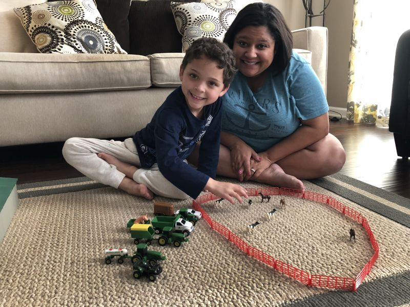 Tractors & Farm Animals With Mommy