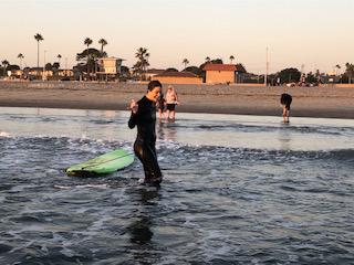 Michaela Surfing